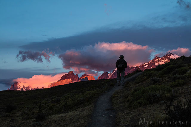 Tidig morgon i Patagonien. Jag följer pumaspåraren.